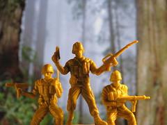 Alpha Team II (CamiloMazuera) Tags: park parque trees verde canon toy soldier army toys photography arboles plastic alfa camilo plastico fotografia juguetes soldado juguete militares mazuera camilomazuera
