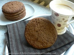 Sugar-topped Molasses Spice Cookies 001