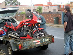 Farewell to Mr Damage; loading the CBX750 on Paul's trailer