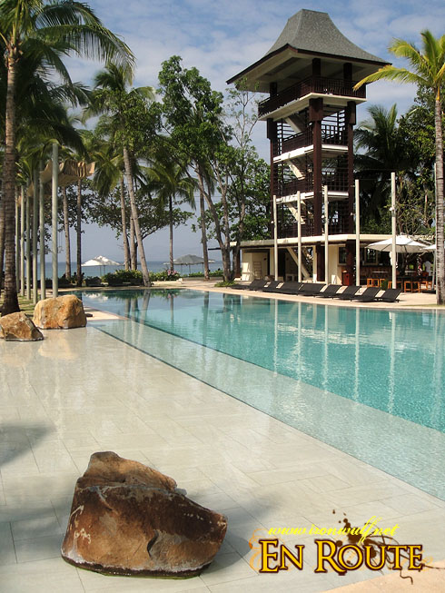 Anvaya Cove Pool and Tower Bar