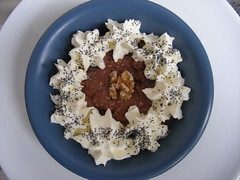 Schokoladenquark mit Mohn-Sahne (erikaheinzurlaub) Tags: red food rot cooking kitchen yahoo essen walnut cream creme blueberry poppy kche beeren quark schokolade heinz sahne blackberries rezepte chocolat joghurt germanfood koch