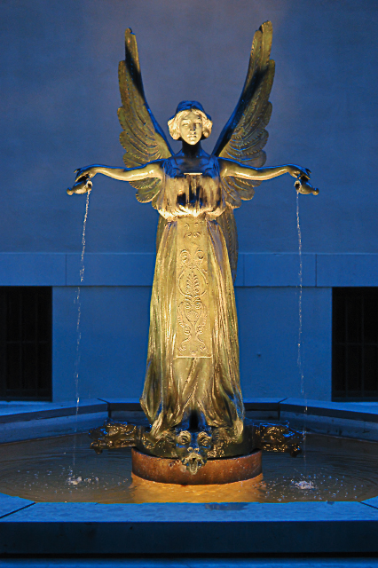 Missouri Botanical Garden (Shaw's Garden), in Saint Louis, Missouri, USA - The Fountain Angel, by Raffaello Romanelli