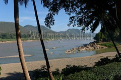 30100566 (wolfgangkaehler) Tags: 2017 asia asian southeastasia laos laotian luangprabang centrallaos view mekong mekongriver river riverbank landscape scenery scenic namkhanriver confluence
