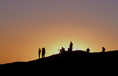 silhouettes at sunset, Sossusvlei ~a (andré & riette) Tags: colors silhouettes people evening night namibdesert namib desert namibia tourist tourism andrériette collectedshots sunset colours sky sossusvlei