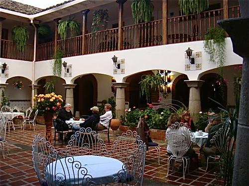 ecuador-hotels-cotacachi-meson