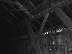 Covered Bridge, Greenfield, MA, USA, inside, b&w (Maureclaire) Tags: coveredbridge  enblancoynegro greenfieldma zwartenwit czarnobiae albnegru feketefehr inbiancoenero itimatputi sortoghvid   siyahvebeyaz ennoiretblanc  svartoghvitt svartoghvtt schwarzundweis ernabl    mustavalkoisia