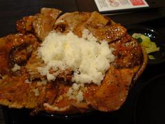 tokachi style pork bowl with cheese,hoe buta tei,ginza (hiroohi) Tags: ginza 銀座 hanabatake 豚丼 花畑牧場 ホエー豚亭