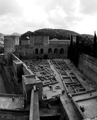 Alcazaba (Rhodri M) Tags: blackandwhite castle monochrome spain fort muslim islam sigma andalucia arabic espana alhambra moorish granada moors moor castillo alcazaba fuerte nasrid nasridpalaces sigma15mm sonyalpha rhodrimorris
