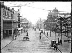 Hunter Street Newcastle, NSW, [1903-1915] (Cultural Collections, University of Newcastle) Tags: newcastle australia nsw hunterstreet ralphsnowball snowballcollection ralphsnowballcollection asgn0791b36 newcastleregionnswhistorypictorialworks photographynewsouthwalesnewcastle