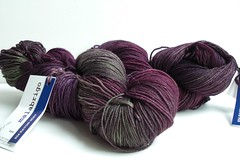 2 different shades of Malabrigo sock yarn, but very similar