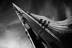 Thorn (96dpi) Tags: blackandwhite bw berlin glass architecture steel platz sony potsdamer center architektur sw schwarzweiss glas stahl