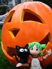 Yotsuba And Hocus Pocus (Yoshi Gizmo) Tags: orange halloween girl pumpkin toy japanese october doll figure collectable yotsuba revoltech yoshigizmo