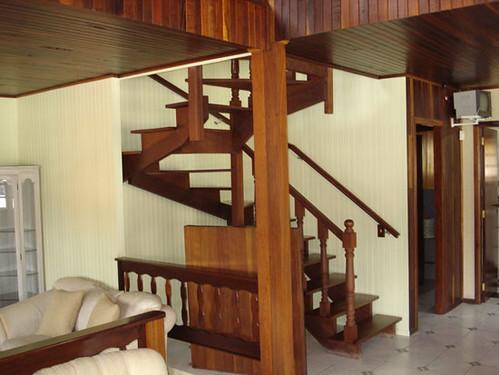 casa de madeira por dentro