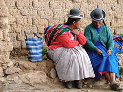 chatting (nadiaknorpp (on holidays happy New Year)) Tags: peru titicaca inca market