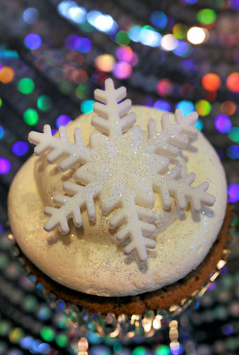 cupcake with snowflake 6172 R
