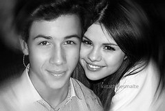 Nelena (kiitathelesmalte) Tags: love smile happy photo nice kevin brothers nick joe disney teen taylor swift cyrus jonas selena gomez channel miley jemi jonasbrothers burninup selenagomez nickjonas kevinjonas nelena kanielle