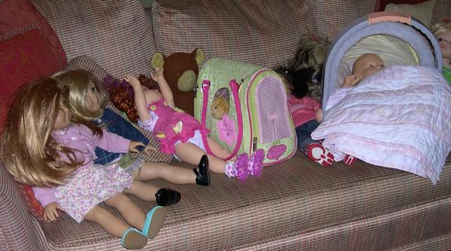 Dolls Visit