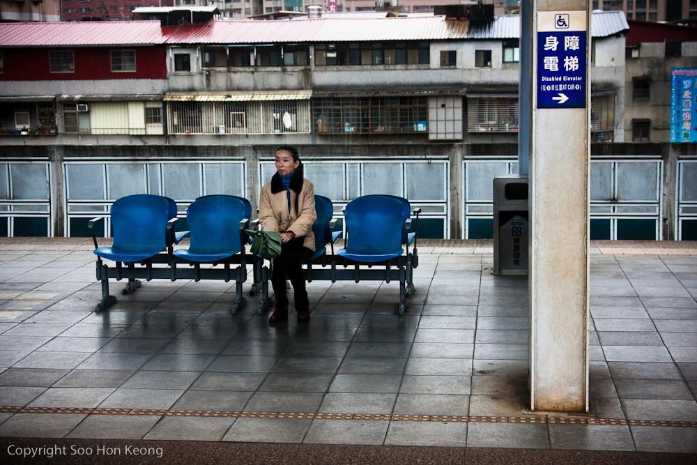 Waiting @ Train Station, Taiwan