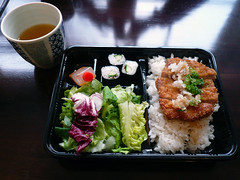Tenshi Japanese Restaurant @ Angel Islington (everydaylife.style) Tags: food london home cooking angel sushi japanese miso restaurant furniture interior fastfood salmon chain bento casual upperstreet takeaway chic wagamama islington cosy teriyaki darkwood yosushi tonkatsu lampshades  itsu   chirashizushi eatin  japanesecuisine   chickenkatsu   japanesecanteen tenshi    karaage         porkkatsu