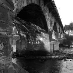 Perth Bridge (itmpa) Tags: bridge slr monochrome canon river square scotland rivertay perthshire engineering tay perth crop cropped 30d taybridge 1766 canon30d perthandkinross 1760s smeatonsbridge perthbridge tomparnell itmpa widened1869 archhist