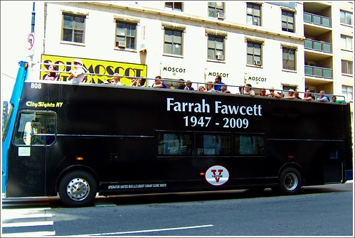 nyc newyorkcity ny newyork bus angel dead star tour cancer icon hollywood actress charliesangels tribute courage farrah farrahfawcett sexsymbol