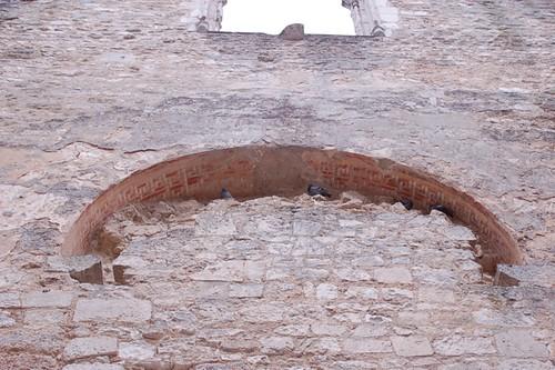 Der vermauerte Bogen ins Westwerk