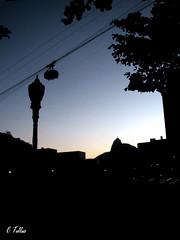 Linda silhueta (Claudia Telles) Tags: brasil riodejaneiro cristoredentor urca bondinho silhueta correntes bandeirinhas
