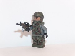 woodland trooper (kenneth nielsen a.k.a Qenhyt) Tags: trooper woodland paint lego games workshop weapon ba brickarms