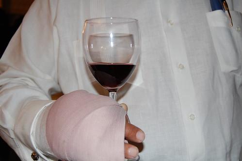 La copa y la mano operada de Freddy