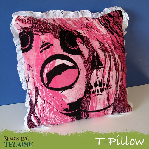 Crazy-Chic T-Pillow front
