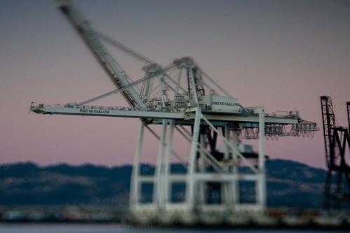 Bay bridge bypass: Plungercammed Oakland crane