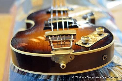 1967 Hofner Beatle Bass - Bottom