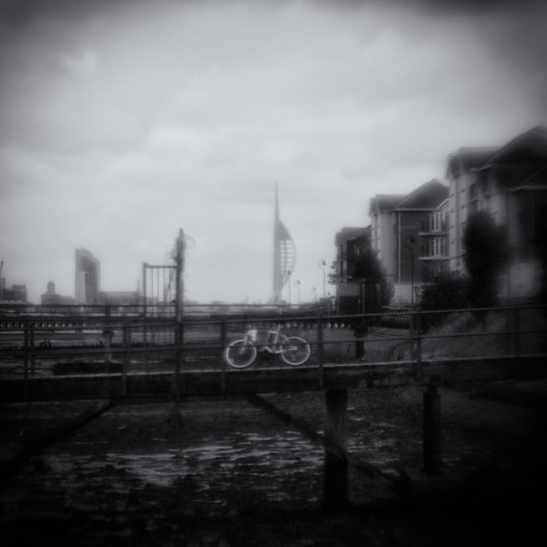 Bike On Pier. Plastic Optic, f/4, Lensbaby Composer