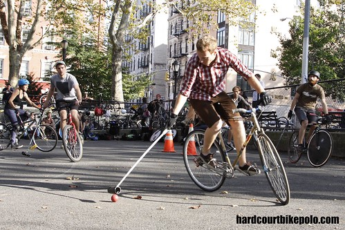 bike polo in the pit nyc hardcourt
