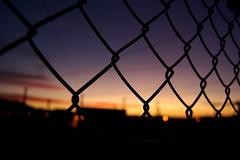 (.RaquelG.) Tags: pink blue red sun yellow clouds atardecer photography photo twilight goodbye crepúsculo fotografía rejas verja findeldía raquelg