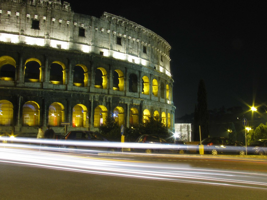 colosseumatnight