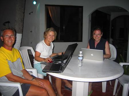 Lunal Azul 'internet cafe'