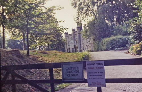 CASTLE & GROUNDS CLOSED
