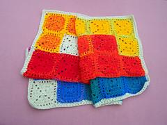 Manta multicolor (Arrorr en colores) Tags: baby crochet afghan multicolor grannysquare fullcolor ganchillo cuadraditos