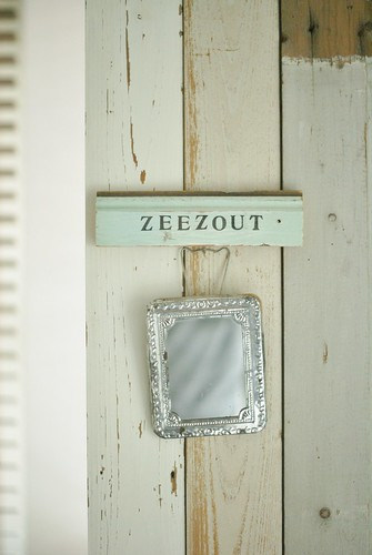 [zeezout] by wood & wool stool