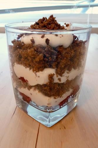 Rupjmaizes kārtojums (Sweetened Rye Trifle)