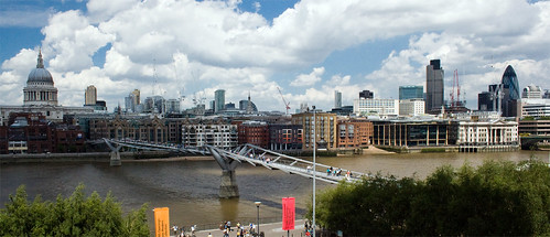 Millenium Bridge, London, England, by jmhdezhdez