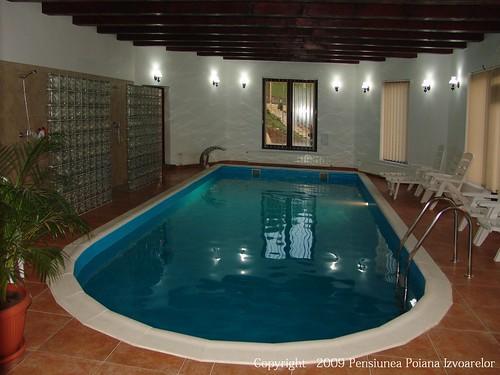 piscina apa calda vatra dornei pensiune poiana izvoarelor