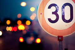 Not too fast (96dpi) Tags: sign 30 speed traffic bokeh f14 85mm schild vivitar limit verkehr thirty geschwindigkeit begrenzung samyang