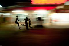 Course de caddie (orang_asli) Tags: africa road street portrait people urban public night children southafrica nationalpark route rue enfant nuit caddy contrejour objets lieux afrique urbain période aficionados caddie againstthelight hluhluwe naturel peuples afriquedusud parcnational catégorie géographie gographie effetspécial priode sudafrican effetspcial catgorie
