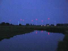 DSC00524 (El-tra) Tags: blue sky reflection water windmill dark dawn twilight wasser dusk himmel dmmerung blau redlight windrad reflexion dunkel niedersachsen lowersaxony zwielicht dornum daemmerung