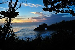 Tanah Lot sunset (MJLee1) Tags: ocean sunset sea bali cloud beach silhouette places tanahlot 1424mmf28g