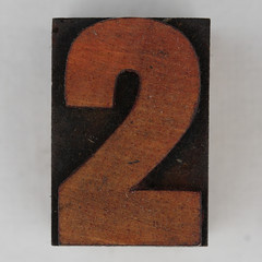 wood type number 2 (Leo Reynolds) Tags: wood 2 two canon eos iso100 number type 60mm f80 onedigit woodtype 0125sec 40d hpexif numberset grouponedigit xsquarex xleol30x