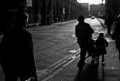 london 2009 - weston st (travelight) Tags: leica morning light blackandwhite london silhouette digital londonbridge glare action commute flare m8 2009 35mmsummiluxasph familiarplaces stthomasst travelight westonst