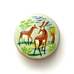 Vintage deer toffee tin (Wooden donkey) Tags: art nature illustration vintage tin stag candy graphic deer container 1950s toffee